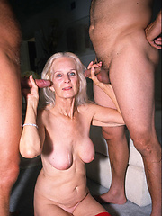 Older granny gets DP\\\\\\\'d!