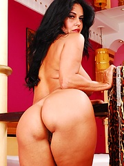 Hot 50 year old Brazillian slut fucks like a pro!