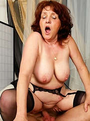 Horny older slut still loves to get jizzed!