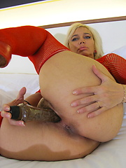 Blonde housewife playing with her wet pussy