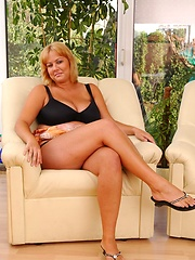Sexy plumper with hot legs and soft large mellons