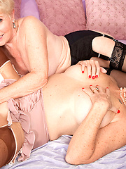 Two hot matures Bea Cummins and Jewel servicing one cock