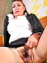 Hairy Latin mature lady getting frisky
