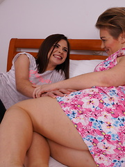This hot babe loves to lick her naughty housewife neighbour
