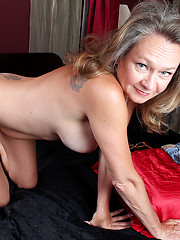 Busty Anilos Kashmir peels off her tight jeans and masturbates