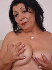 Horny mature slut playing alone