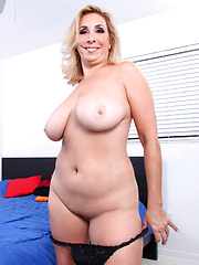 Busty Sophia Jewel gets naked and fingers her pink twat til she gets off