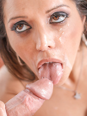 Mature Francesca Le loves her anal penetration.