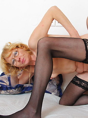 Horny mature artist loves fucking her model