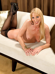 Phoebe Hairy Pussy Show