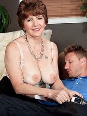 Bea's Anal Therapy