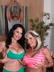 Rita Daniels & Sally D'angelo Share A Cock