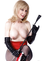 Nina Hartley gets rough and kinky with Holly Hollywood