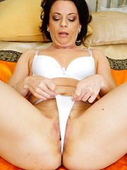 This horny housewife loves to play with herself