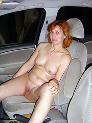 Take in car a mature semi-nude slut and have fun