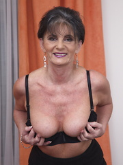 Horny housewife getting frisky